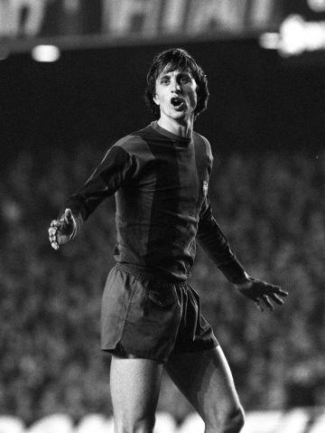 Cruyff, en un partido de UEFA en el Camp Nou.