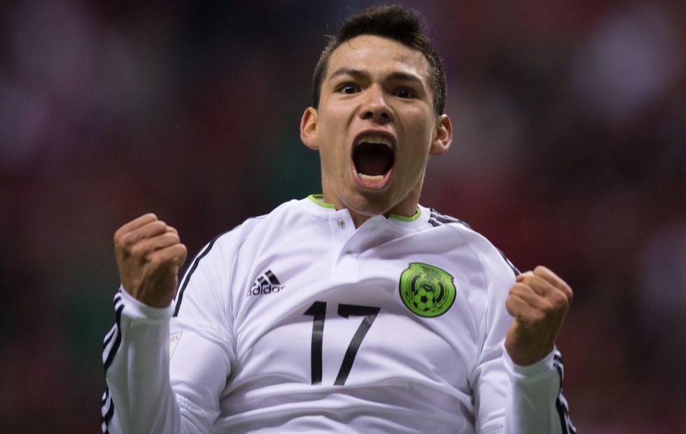 Hirving Lozano festeja su primer gol con la selección mexicana.