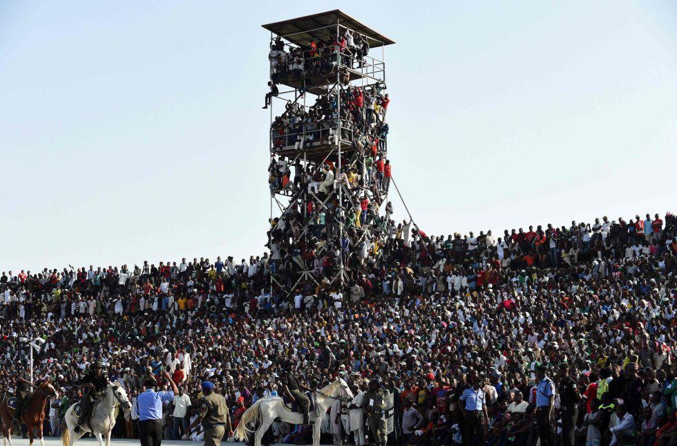 El estadio desbordado para el Nigeria-Egipto, en Kaduna.