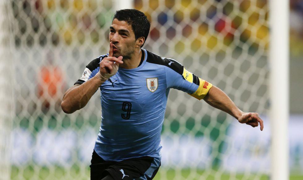 Luis Suárez celebra un gol ante Brasil.