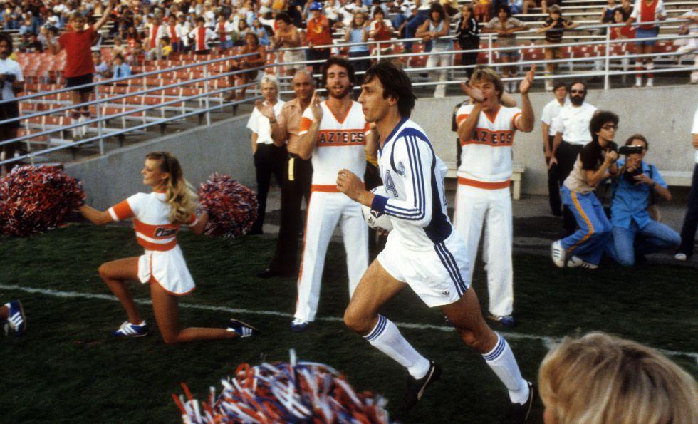 Cruyff, en uno de los partidos con Los Ángeles Aztecas