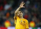 A falta de juego, el Barça corre