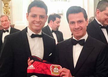Peña Nieto y Chicharito, juntos en Alemania
