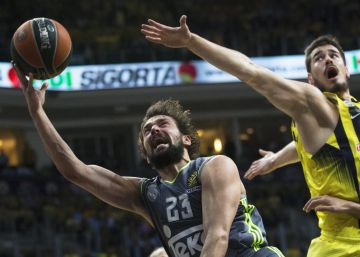 El Madrid paga su falta de puntería ante el Fenerbahçe