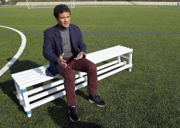 """Guillermo Amor: """"Cruyff nos hizo fácil el fútbol"""""""