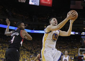 Klay Thompson y Green barren a los Blazers