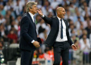 Zidane y Pellegrini dan instrucciones durante el partido.