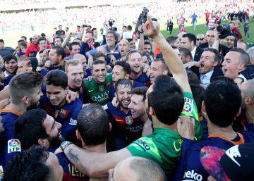El Barcelona conquista la Liga en Granada