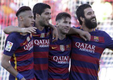 El tridente modifica el estilo del Barça