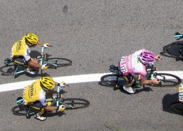 A la espalda de Kluge, los sprinters se miran, perplejos