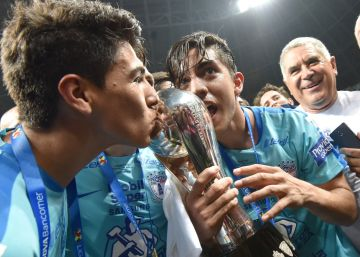 Pachuca despoja del título de liga a Monterrey con gol de último minuto