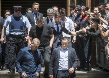 La comitiva judicial de Leo