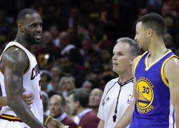 Curry pone a los Cavaliers entre la espada y la pared