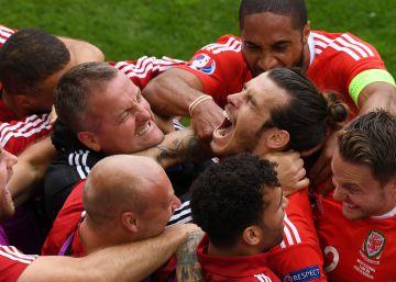 Gales debuta con un triunfo pleno de sentimiento