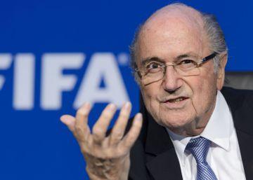 Blatter dice que fue testigo de sorteos amañados con 'bolas calientes'