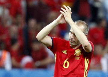 Los lectores eligen a Iniesta como el mejor del partido contra Turquía