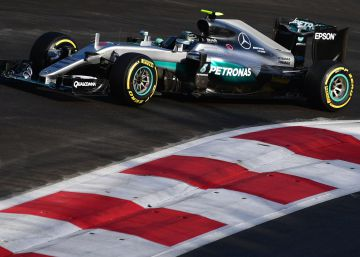 Rosberg gana en Bakú