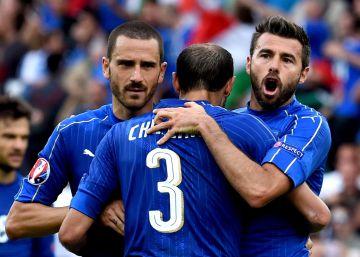 La Juve defiende, Italia gana