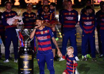 Neymar liga su futuro al Barça de Messi