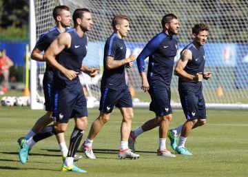 El Barcelona ficha a Digne, lateral del PSG