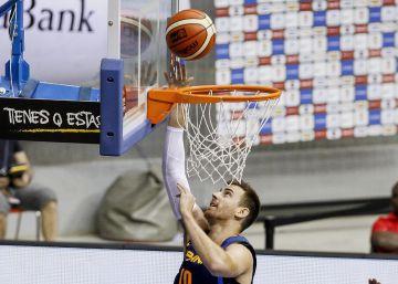 Víctor Claver refuerza el juego interior del Barcelona