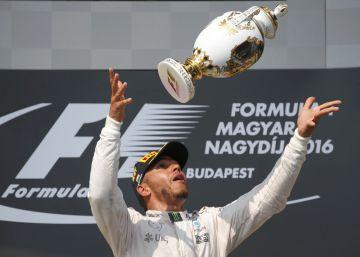 Hamilton gana y coge el liderato