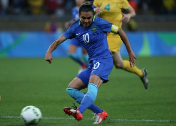 Brasil cambia Neymar por Marta