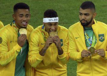Neymar reconquista el juego de Brasil