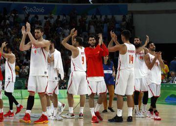 La selección de baloncesto española tras perder con Estados Unidos.