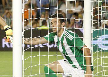 El Deportivo deja vivo a un débil Betis