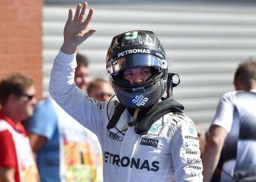 Tercera pole consecutiva de Rosberg