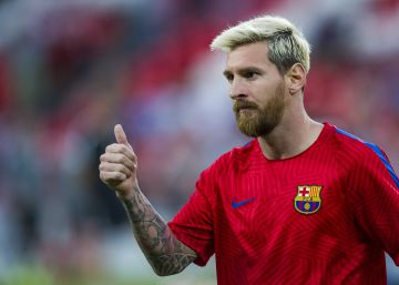 Messi viaja a Argentina con molestias