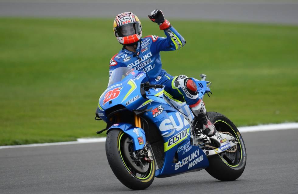 Viñale celebra su victoria en el GP de Gran Betraña.