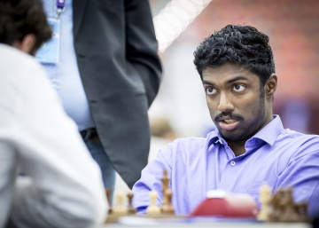 India toma el mando sin Anand