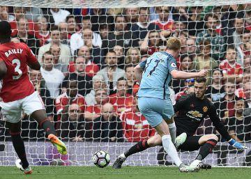 El City vence 1-2 al United en el primer duelo Mourinho-Guardiola en la Premier