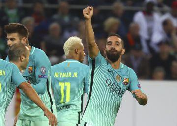 El Barcelona remonta al Borussia Mönchengladbach