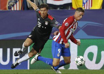 Fernando Torres desenchufa a Xabi Alonso