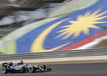 Pulso en Mercedes, subidón de Alonso