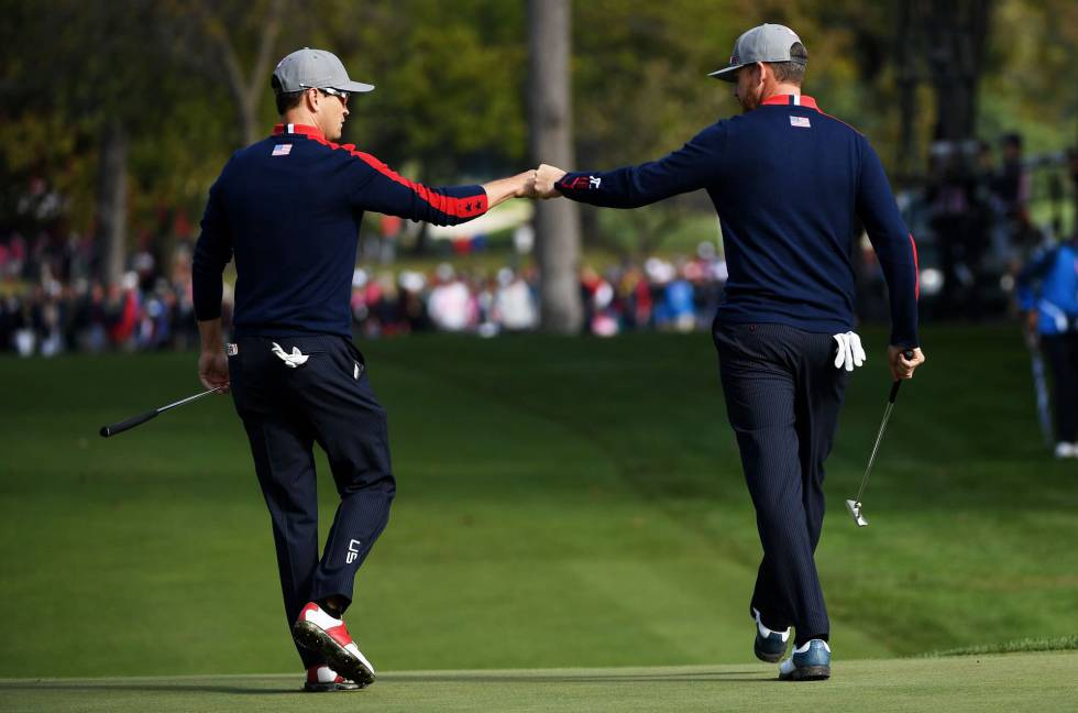 Zach Johnson y Jimmy Walker, de EE. UU.este viernes.