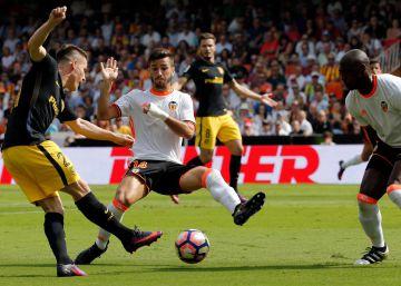El Atlético vence al Valencia en Mestalla