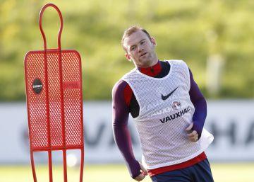 A Rooney le queda Inglaterra