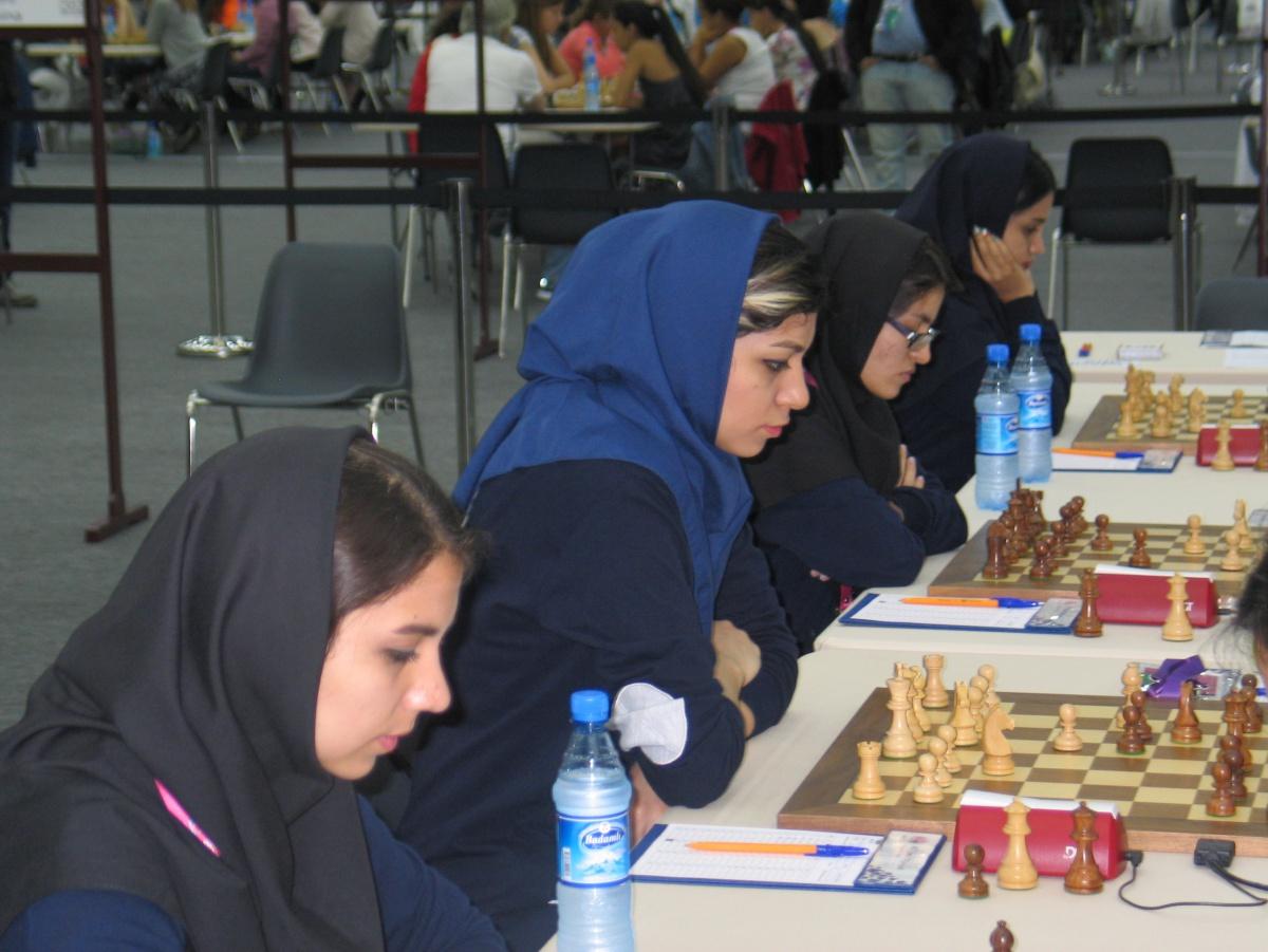 ¡No es el velo, es la FIDE!