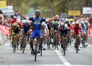 Gaviria reinventa el 'sprint' para ganar la París-Tours