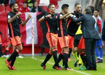 Mario Suárez alegra el debut de Prandelli