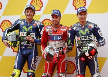 Dovizioso se lleva la 'pole' por delante de Rossi y Lorenzo