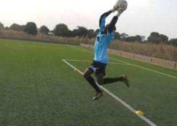 La portera de la selección de fútbol de Gambia se ahoga en una patera