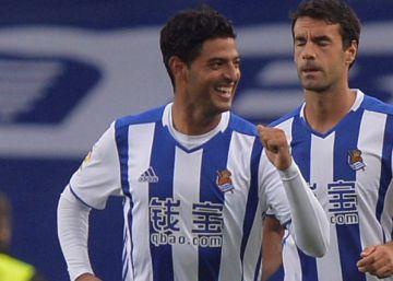La Real Sociedad amansa y supera con claridad al Atlético en Anoeta