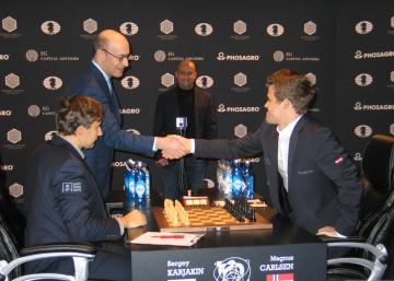 Carlsen provoca un empate balsámico