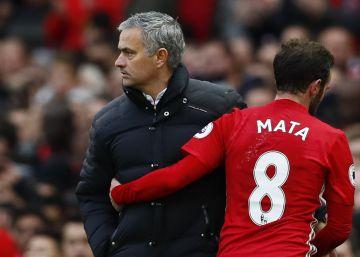 Giroud iguala el gol de Mata y evita la derrota del Arsenal ante el Manchester United