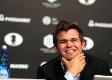 Carlsen gana sin convencer, en 6,5 horas